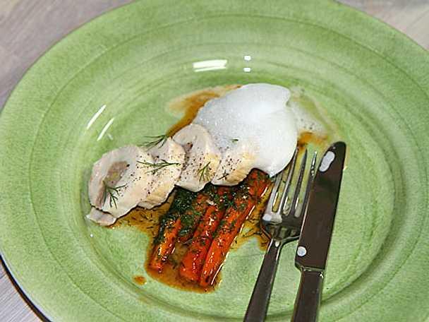 Kyckling med sötsyrliga dillmorötter