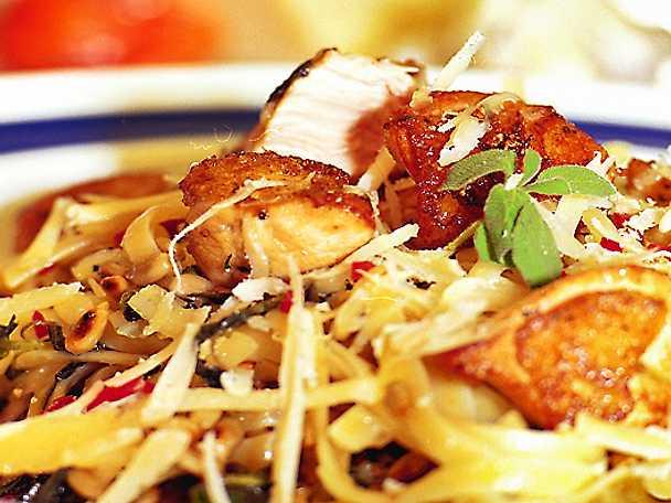 Kyckling med västerbottenpesto och pasta