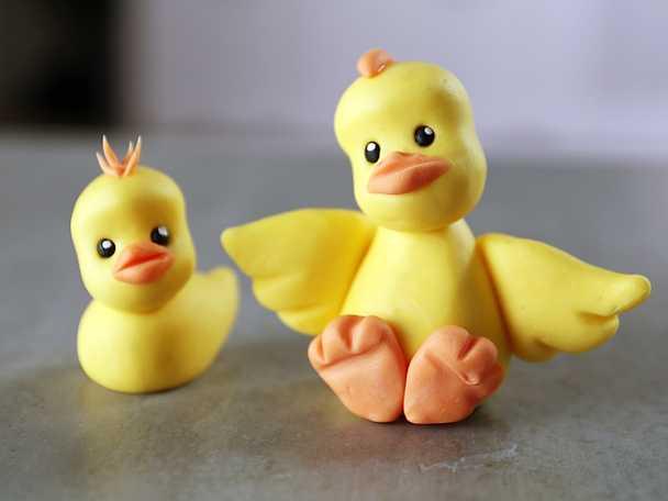 Kycklingar i sockerpasta - se & gör