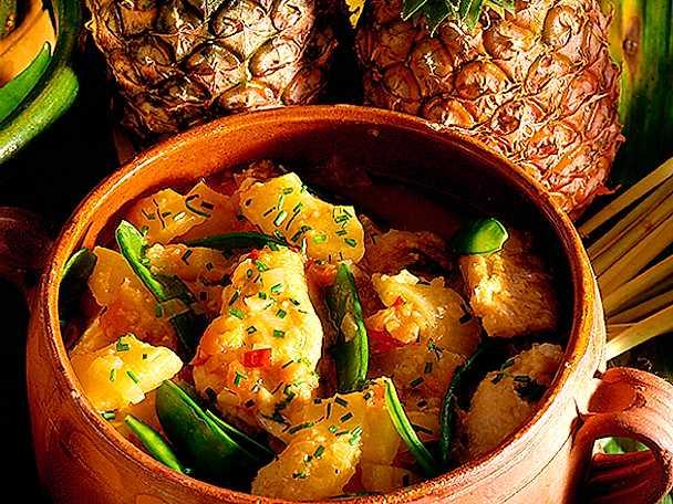 Kycklinggryta med ananas och sockerärter