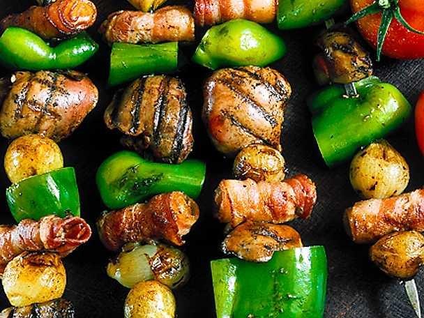 Kycklinglever och bacon på spett