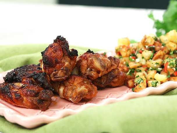Kycklingvingar med granatäpple och het potatis