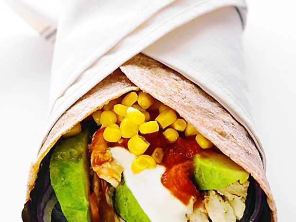 Kycklingwrap med avokado och salsa