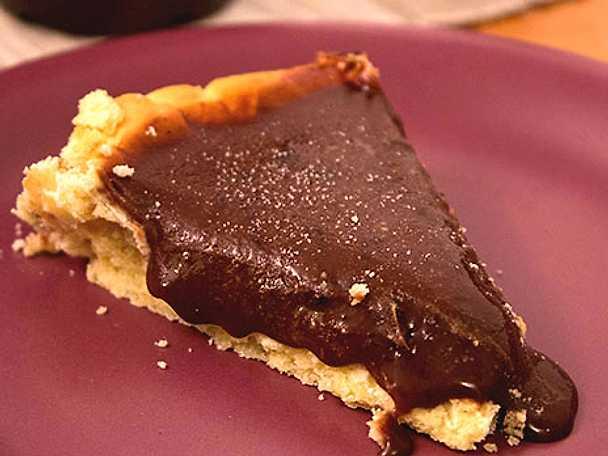 lakrits- och chokladpaj