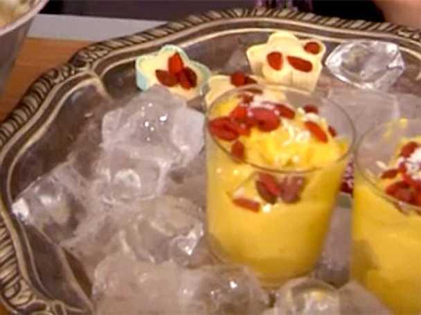 Laktos- och sockerfri mangoglass