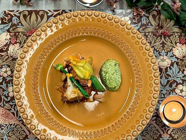 Lammkarré Ras el Hanout med korianderyoghurt