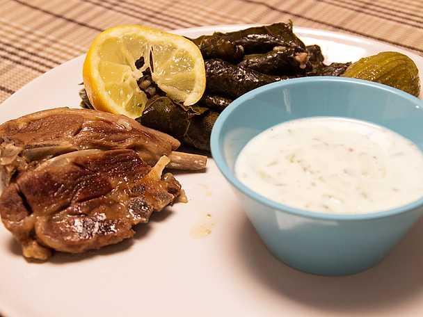 Lammkotletter med aprach och zucchini med tzatziki