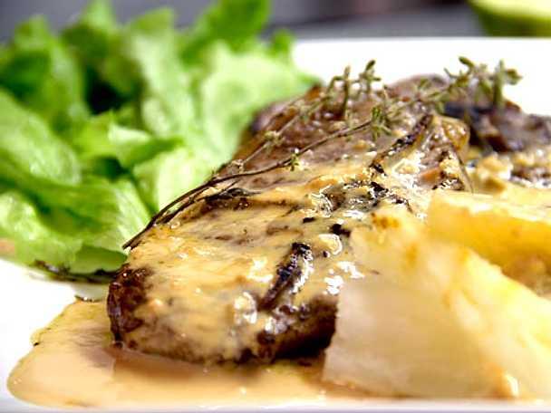 Lammkotletter med mandioka och gorgonzolasås