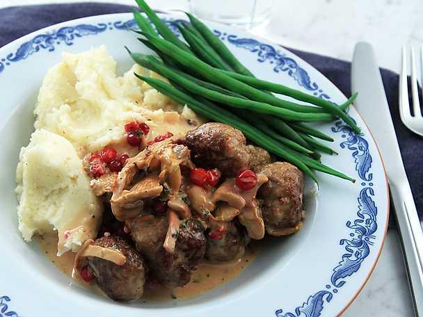 Lammköttbullar med kantarellsås och potatismos