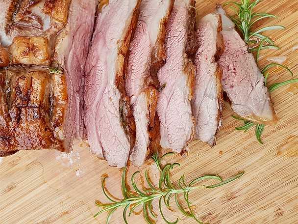 Lammstek med brynt smör och rosmarin