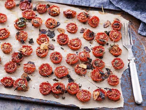Långbakade tomater