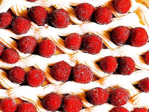 Lätt sommartårta