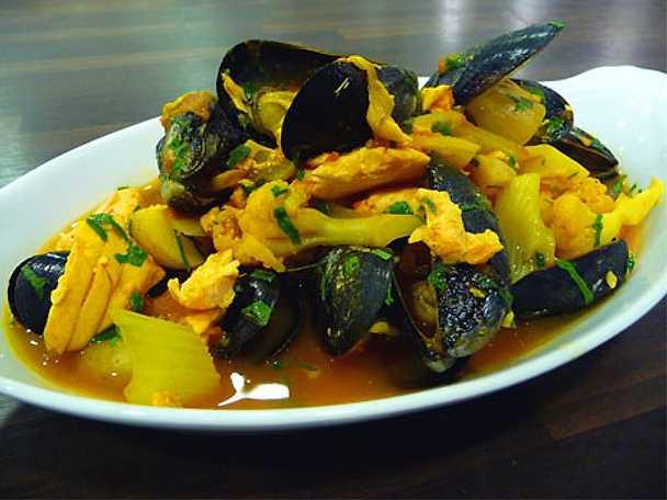 Lax- och musselgryta med fänkål