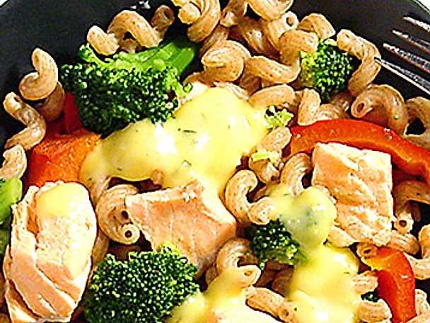 Lax- och pastasallad