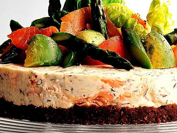 Laxtårta med grönsaker