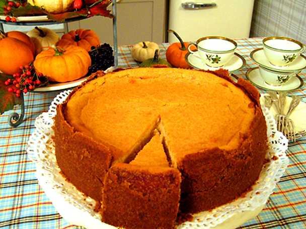 Leila Lindholms sweet potato cheesecake