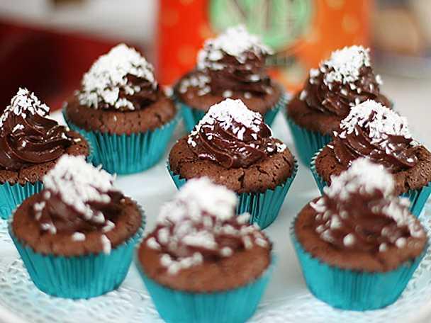 Leilas bounty cupcakes