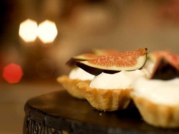 Leilas mandelmusslor med apelsingrädde och färska fikon