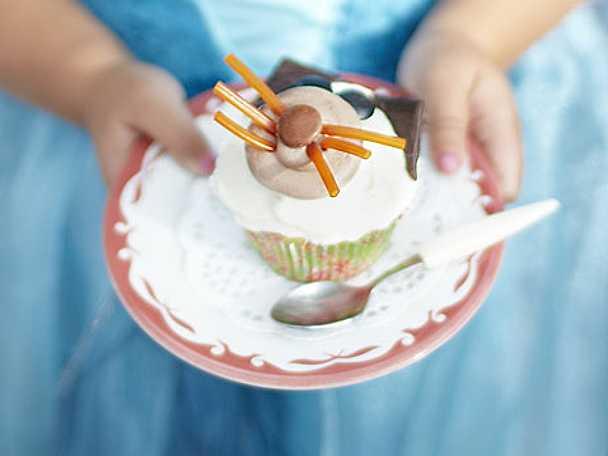 Leilas vanilla cat cupcakes