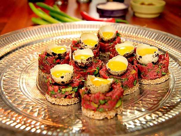 Libanesisk råbiff på rågbröd