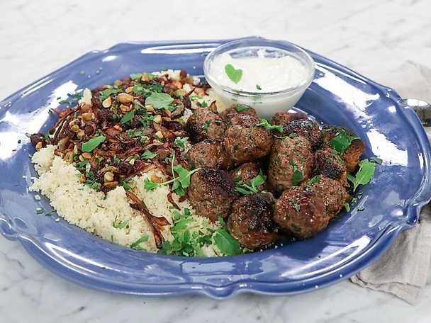 Libanesiska köttbullar med russin och couscous