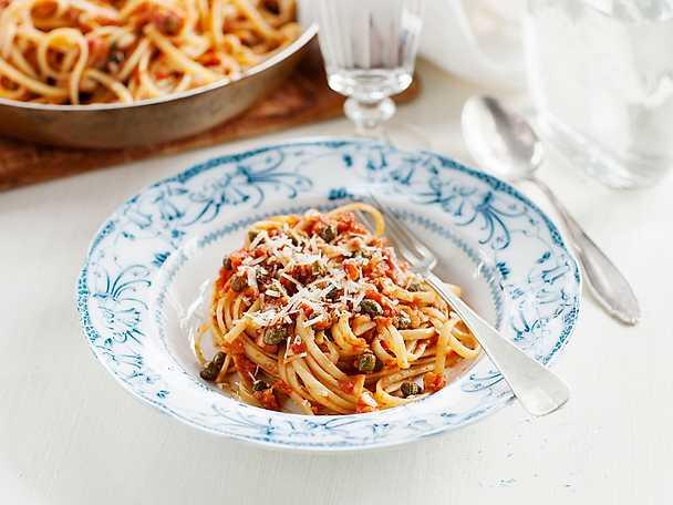 Linguine med kapris och tomat