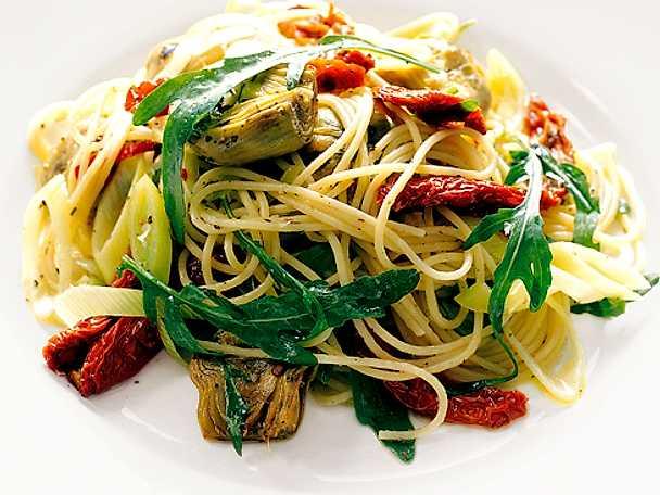 Linguine med marinerade grönsaker
