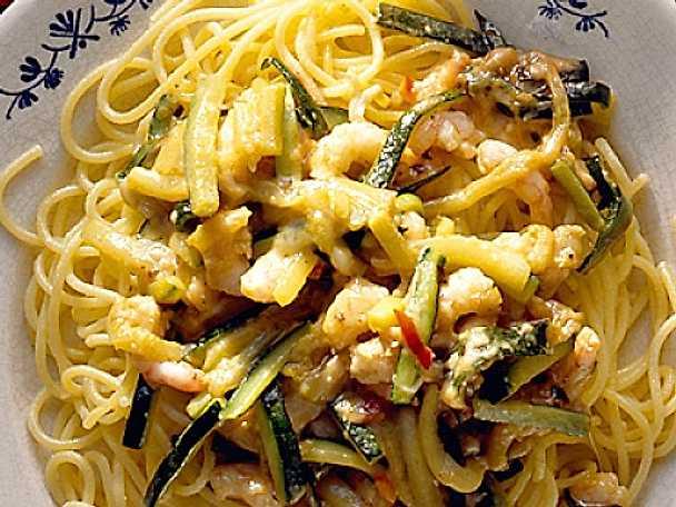 Linguine med räkor och zucchini
