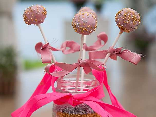 Linneas cakepops och muffins
