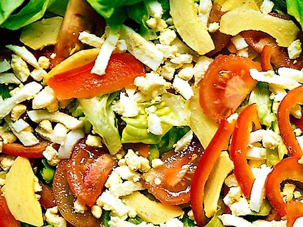 Lunchsallad med avokado