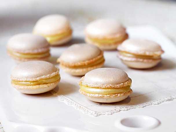 Macarons med vit choklad, vanilj och citron