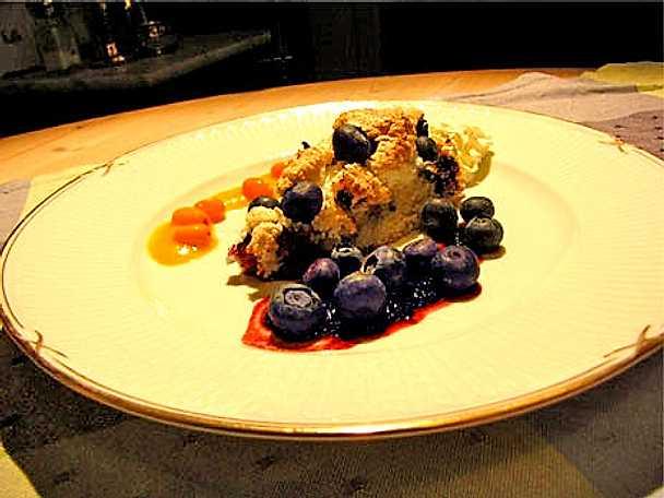 Marängblåbärspaj med blåbärs- och havtornssås