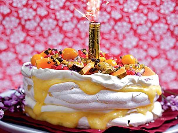 Marängtårta med lime och passionsfrukt