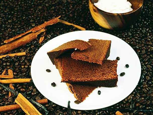 Marcus Samuelssons chokladromkaka med kanelgrädde
