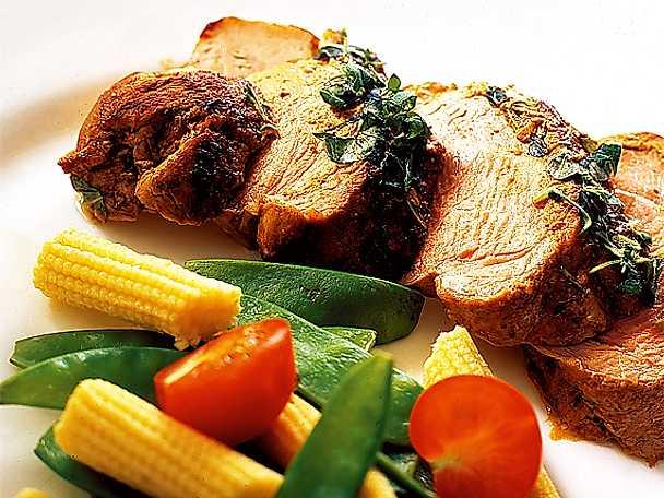 Marinerad fläskfilé med sommargrönsaker