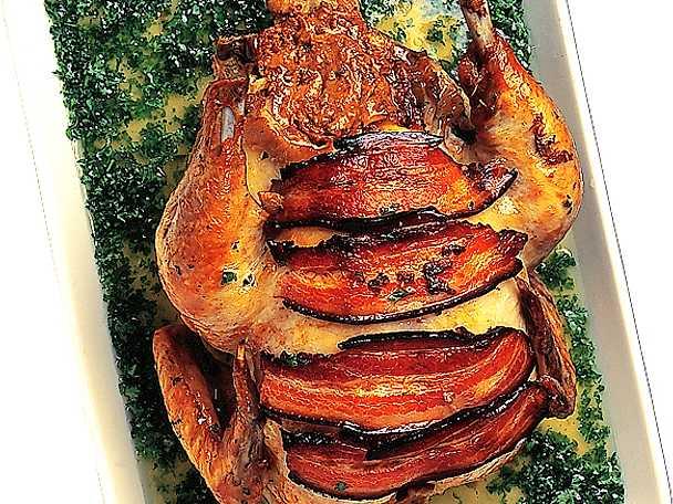 Marinerad kyckling med jordnötsfyllning