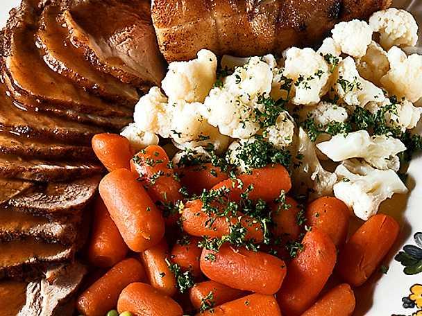 Marinerad skinka med sommargrönsaker