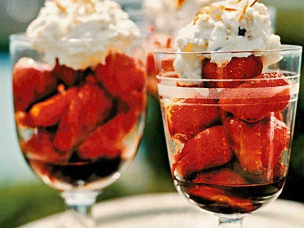 Marinerade jordgubbar med mandelmarscarpone