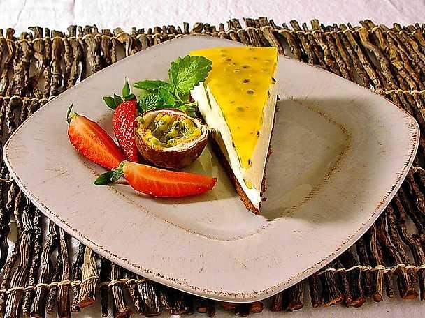 Mascarponetårta med passionsfruktgelé