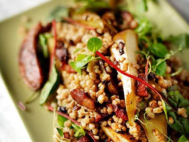 Matvetesallad med chorizo och sidfläsk