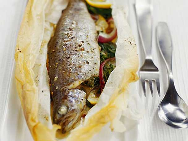 Medelhavsfisk i papper