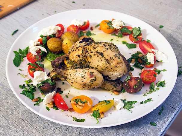 Medeltida kyckling med hasselbackspotatis