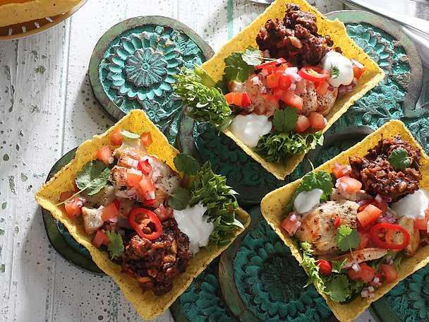 Mexikansk kyckling i tacoskal