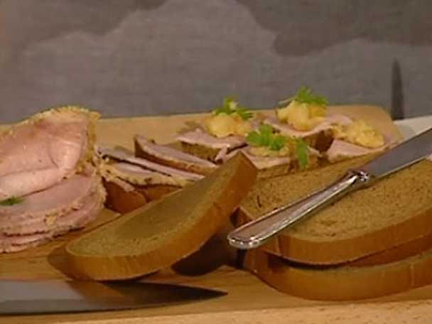 Mini-skinksnittar med senap och smörstekt äpple