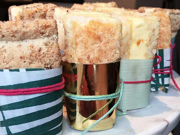 Minisandwich med kokosbotten och ingefärsglass