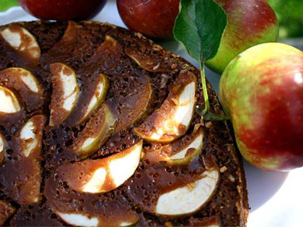Mjölkchokladkaka med äpplen