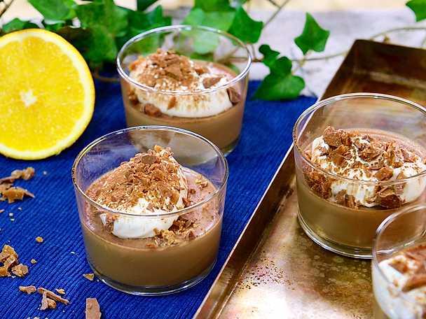 Mjölkchokladpannacotta med smak av apelsin
