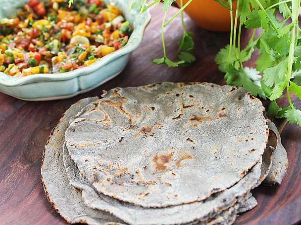 Mjuka tortillas på masecamjöl