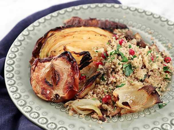 Mjukbakad kål med svamp och quinoa