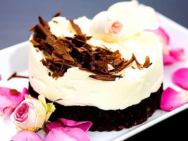 Monikas vita chokladmoussetårta